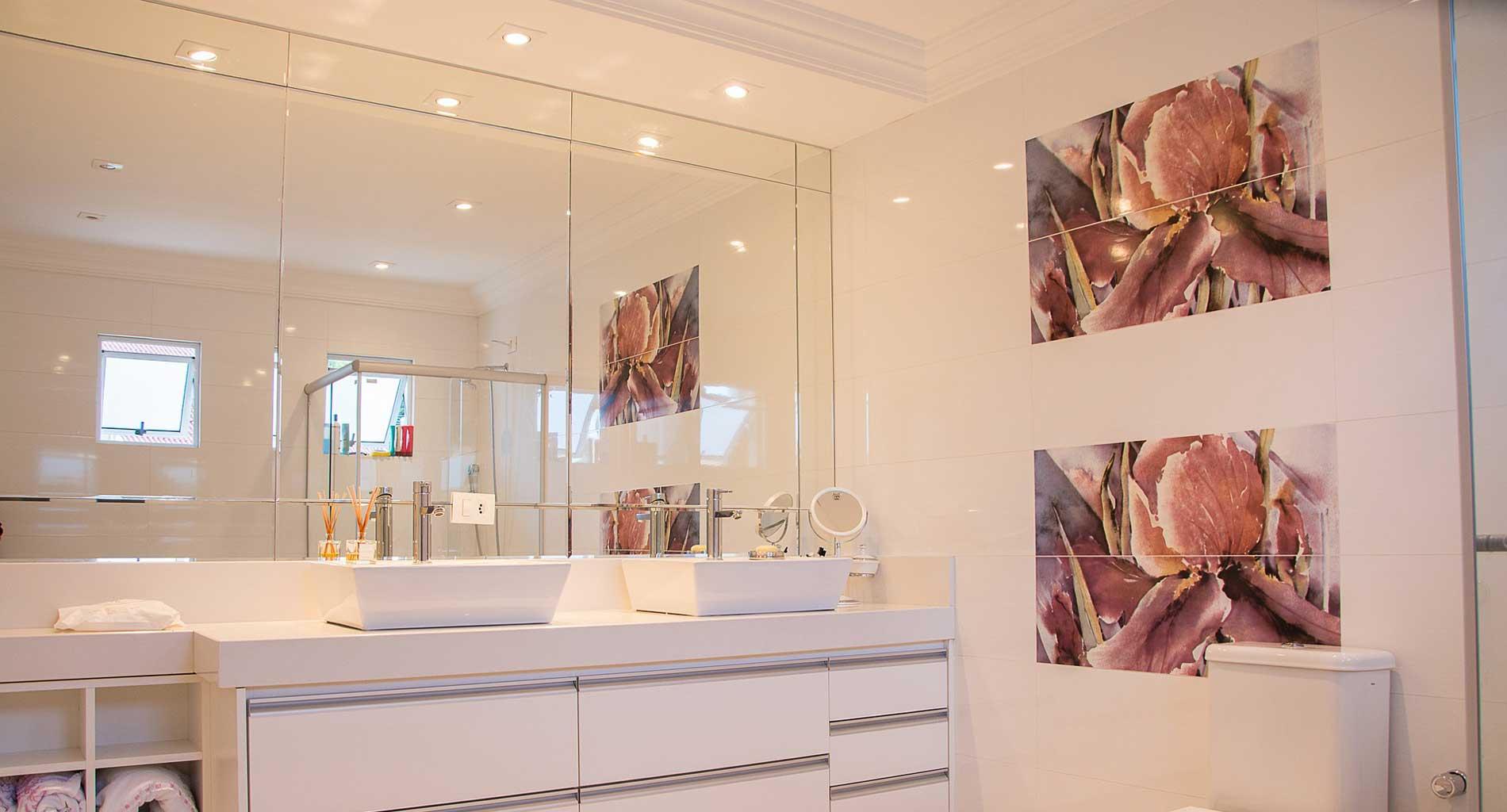 Guía de compra de espejos de baño con luz